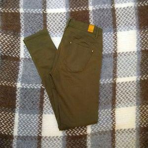 ♥️ 3/$20 Stradivarius Olive Skinny Jeans